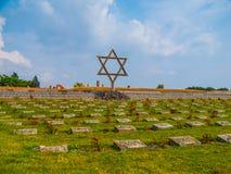 公墓在Terezin 免版税库存图片