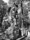 公墓天使 在黑白的艺术性的神色 免版税图库摄影