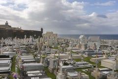 公墓玛丽亚马格达莱纳和Castello圣费利佩del Morro 免版税图库摄影