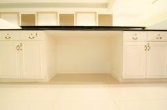 公寓厨房现代空间 免版税库存图片