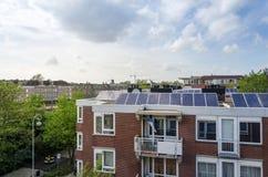 公寓和建筑用起重机 库存图片
