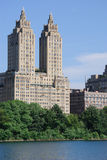公寓塔 免版税库存照片