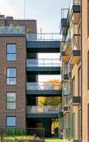 公寓居民住房玻璃现代建筑学  免版税库存照片