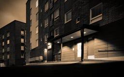 公寓楼在晚上 免版税库存图片