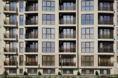 公寓的门面 免版税库存照片