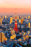 公寓结构大厦大厦具体玻璃高日本现代住宅上升钢东京塔耸立 免版税库存图片