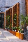 公寓绿色现代工厂 库存图片