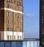 公寓英国舱内甲板停车库海运 免版税库存照片