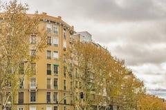 公寓门面,马德里,西班牙 免版税库存图片