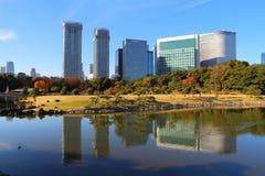 公寓结构大厦大厦具体玻璃高日本现代住宅上升钢东京塔耸立 图库摄影