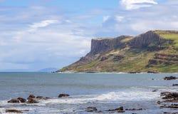 公平的顶头峭壁在北爱尔兰,英国 库存图片