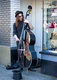公平霍桑的街的,波特兰,俄勒冈街道音乐家 免版税库存图片