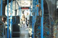 公开城市公共汽车 库存照片