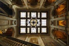 公开室圆顶在巴塞罗那Cityhall  免版税库存照片