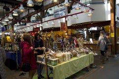 公开市场在格兰维尔海岛 免版税库存照片
