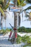 公开海滩在Tulum 免版税库存照片