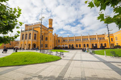 公开火车站的看法在弗罗茨瓦夫 免版税库存照片