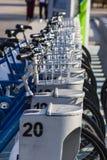 公开用法的蓝色自行车在伊兹密尔土耳其 免版税图库摄影