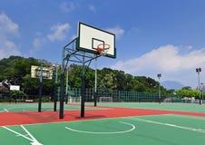 公开篮球场 免版税库存图片