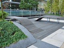 公开都市空间设计在中央东京,日本 免版税库存照片