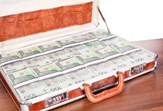 公文包充分的货币 图库摄影
