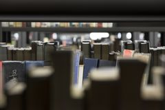 公立图书馆麦德林biblioteca pública piloto营业日2018年12月 库存图片