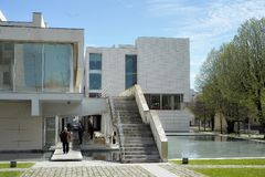 公立图书馆Florbela Espanca马托西纽什葡萄牙 免版税库存照片