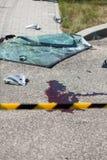 公路事故场面获取与黄色磁带 库存照片