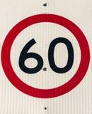 公路交通标志, 60 kph 免版税库存照片