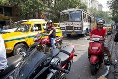 公路运输在加尔各答,印度 免版税图库摄影