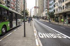 公车专道 免版税库存照片