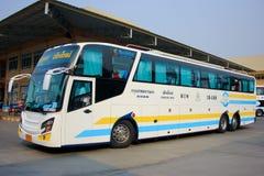 公车运送没有 18-198超级长的15米 库存照片
