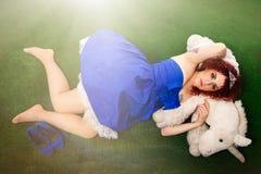 公主和独角兽 一个童话的女孩 库存图片