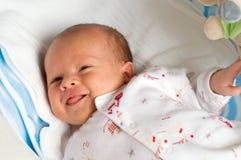 六个星期的婴孩以畏缩 免版税库存照片
