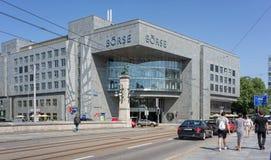 六个瑞士人交换大厦 免版税库存照片