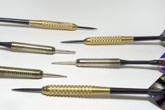 六个箭针特写镜头 锋利的钢 黄铜和不锈的stee 库存照片