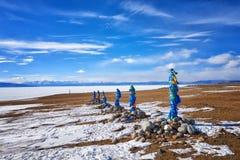 六个西部ovoo shamanic圣所Arvan-Gurvan-ovoo 图库摄影