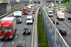 六条车道受控通入高速公路在波兰 图库摄影