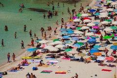 兰佩杜萨,Spiaggia dei conigli最著名的海地方的看法  图库摄影