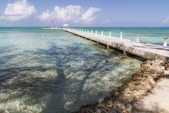 兰姆酒点海滩&船坞 免版税库存图片