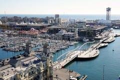 兰布拉De 3月和口岸Vell鸟瞰图在巴塞罗那 免版税库存照片