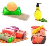 兰花花,在椰子壳的小卵石,肥皂,阵雨的胶凝体 免版税图库摄影