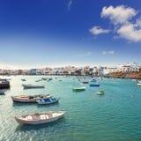 兰萨罗特岛查科de圣希内斯小船的阿雷西费 免版税库存照片