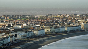兰迪德诺有海滨和海滩的镇全景 免版税库存照片