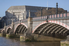 兰贝斯桥梁和泰晤士河,威斯敏斯特,伦敦 免版税库存图片
