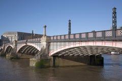 兰贝斯桥梁和泰晤士河,威斯敏斯特,伦敦 免版税库存照片
