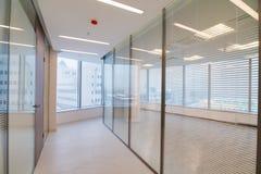 共同的办公楼内部 免版税库存照片