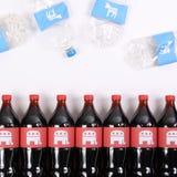 共和党大象和民主党驴在饮料瓶 免版税库存照片