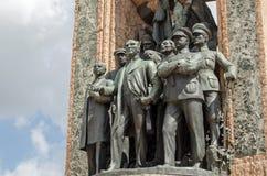 共和国纪念碑,塔克西姆广场,伊斯坦布尔 免版税库存照片