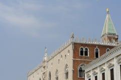 共和国总督` s宫殿屋顶在威尼斯,威尼托,意大利,欧洲 免版税库存照片